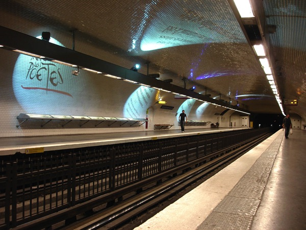 Metro Paris Ligne 4 station Saint Germain des Pres 01